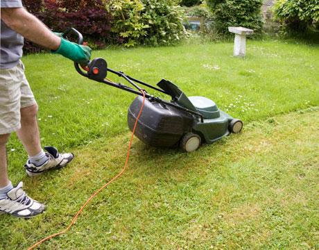 Làm thế nào để thay thế các vành đai máy cắt cỏ
